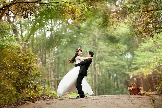 svatba u lesa.jpg