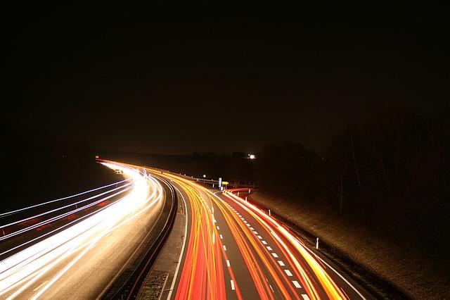 noční provoz dálnice
