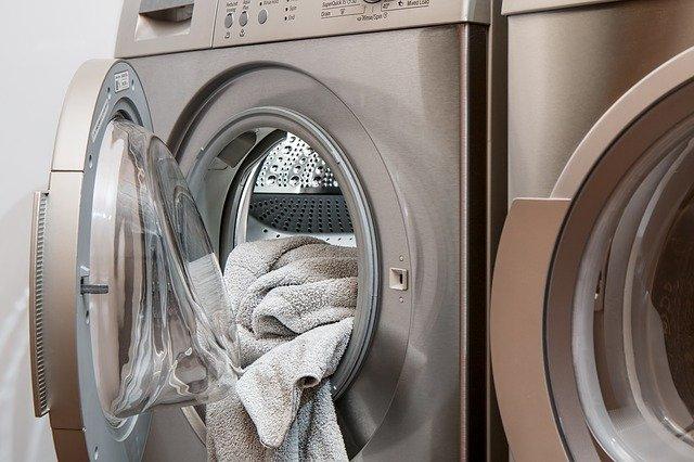 otevřená pračka